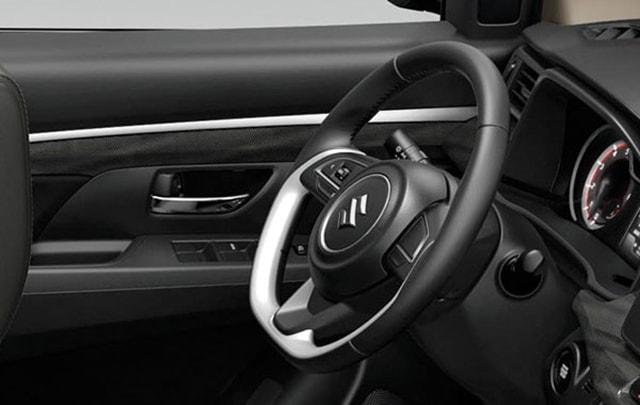 SuzukiALL-NEW XL7 interior